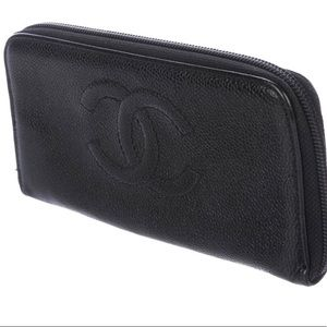 CHANEL Caviar Wallet ( Send in any offer)